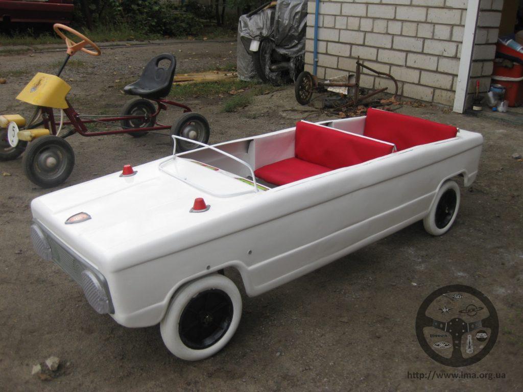 detskiy_pedalniy_kart_limuzin
